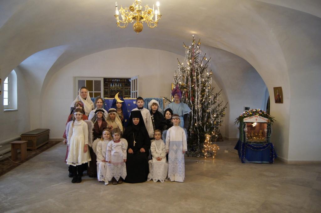 Праздник Рождества, дети воскресной школы при монастыре